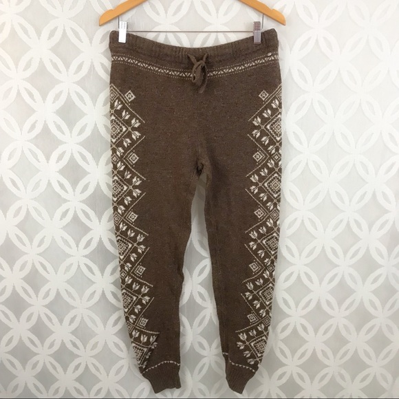 a1e6a84a47584 American Eagle Outfitters Pants - American Eagle Ahh-Mazing Soft Sweater  Legging